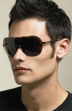 Erkek Güneş Gözlüğü Modelleri Güneşin tepe noktamızda olduğu günlerde ve diğer günlerde güneş gözlükleri erkeklere ayrı bir hava katan ve karizmatik gösteren aksesuarlar arasındadır. Uygun bir güneş gözlüğü seçmek ise kolay olmamaktadır. Sizin için en doğru …