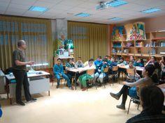 Charla 'Fomento de la Lectura', del escritor de ficción F. J. Sanz, para los alumnos de 6º curso de primaria del colegio Arco de la Sierra, en el pueblo madrileño de El Molar.