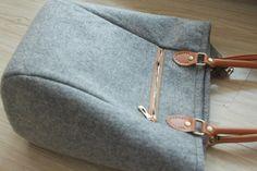 Felt Bag/ Purse / Wool bag/ Toto Bag/ Wool Felt/ Grey Purse