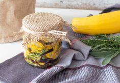 Ako si doma vytvoriť voňavú esenciu na toaletu Burlap, Reusable Tote Bags, Homemade, Petra, Zucchini, Gardening, Hessian Fabric, Garten, Hand Made