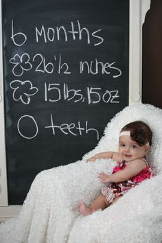 Great idea for monthly photo shoots!