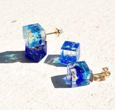 Creator: ★PSYCHE☆|Creema Resin Jewelry, Diy Jewelry, Jewelry Design, Fashion Jewelry, Diy Resin Crafts, Diy Crystals, Bottle Necklace, Resin Flowers, Cute Rings
