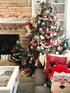 My Christmas Home Tour Beautiful Christmas Trees, Magical Christmas, Christmas Mood, Christmas Morning, Christmas Ideas, Christmas On A Budget, Christmas Decorations For The Home, Christmas Time Is Here, Holiday Decor