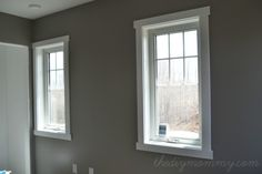 25 Astonishing Eksterior & Interior Window Trim Ideas for Your Dreamed House! - Home Decor Ideas Craftsman Window Trim, Interior Window Trim, Craftsman Style, Craftsman Interior, Diy Simple, Super Simple, Window Casing, Door Casing, Santa Cruz