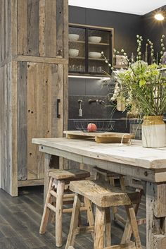 Kuchnia D'Hondt Interieur - kitchens Tips For Avoiding Adoption Fraud Article Body: For many peo Rustic Kitchen Design, Wooden Kitchen, Loft Kitchen, Kitchen Interior, Küchen Design, House Design, Decor Home Living Room, Home Decor, Western Decor
