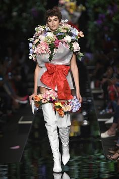 Gigi Hadid and Kaia Gerber Wore Nothing But A Bouquet of Flowers On The Moschino Runway - HarpersBAZAAR.com