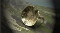 Homemade art clay silver ring in flower shape by deBATjes   http://debatjes.com/product/ringen/ring-in-huisbewerkt-zilver-2/