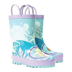 Let your little one embrace the rains with the fun Western Chief Frozen Elsa & Anna Rain Boot. It features the two famous characters from the movie Frozen, making it a favorite of your little one. Thi