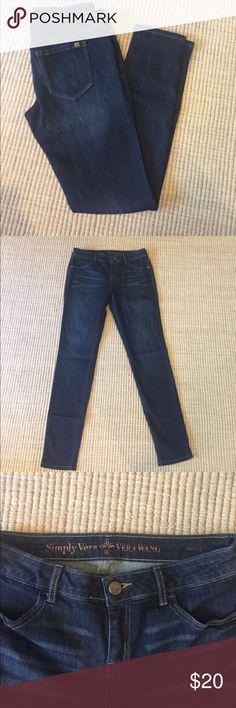 Simply Vera skinny jeans Simply Vera Vera Wang Skinny jeans.  Like-new Condition. Simply Vera Vera Wang Jeans Skinny