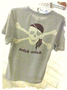 """Huhu ... hier unser cooles """"Pirates of the Black Forest"""" Shirt... mit jedem Kauf & Verkauf unterstützt ihr unser Projekt ANGELS IN ACTION! """"heart""""-Emoticon lichen Dank www.angel-bazar.de  #Auktionshaus #Angel #Bazar #online #Shop #Blackforest #Shirt #Geschenkidee"""