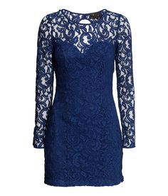 Short fitted dress in blue lace, with long sleeves, open back, and covered buttons.│Party in H&M