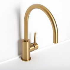 Lusso Urban Single Lever Kitchen Mixer Tap Brushed Gold - Kitchen mark two - Bathroom Decor Bathroom Taps, Modern Bathroom, Bathrooms, Bathroom Renovations, Bathroom Interior, Kitchen Interior, Bathroom Ideas, Kitchen Mixer Taps, Kitchen And Bath
