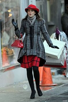 I've never seen an episode of GG before, but I love everything about Blair's style.