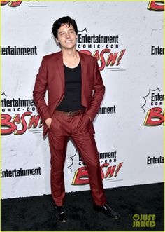 'Riverdale' Stars Check Out EW's Comic-Con 2017 Party!: Photo The Riverdale stars kept the party going at Entertainment Weekly's 2017 Comic-Con bash! Stars of the show KJ Apa, Cole Sprouse, Camila Mendes, Lili Reinhart,… Cole Sprouse Jughead, Cole M Sprouse, Dylan Sprouse, Zack E Cody, Bae, Dylan And Cole, Riverdale Cole Sprouse, Friend Memes, Phoebe Tonkin