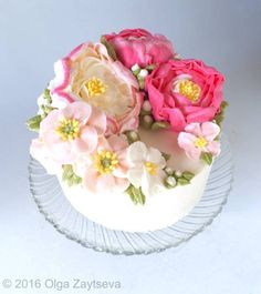 How to make buttercream peony and poppy and create a flower wreath cake - CakesDecor