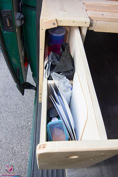 VW Removal - furniture removal for the VW Bus VW Bus self-assembly - pull-out drawer on the pa Bus Camper, Vw Bus Camping, Vw Camper Bus, Trailers Camping, T5 Bus, Mini Camper, Auto Camping, Vw T5 Interior, T6 California