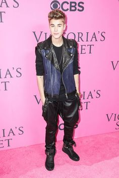 Justin Bieber at the Victoria's Secret Fashion Show.. well wasn't that luck? I'd like to say so..