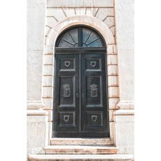 Doors.  #portugal #lisboa #architecture #places #old #street #photography #photographer #fotografo #fotografia #velho #lisbon #porta #door