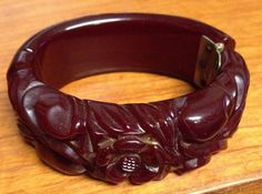Vintage Bakelite Bangle Clamper Carved MAROON Flower Leaves NR