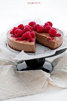 Jaglany deser czekoladowy z malinami