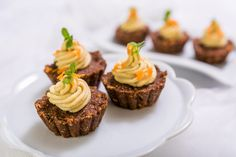 Nepečené mrkvové cupcakes s kešu krémem Food, Essen, Meals, Yemek, Eten
