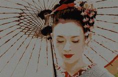 geisha_350x229 free cross stitch pattern. Link to download under photo.