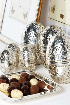 Silver easter eggs from Summerbird - From THE ESSENCE OF THE GOOD LIFE™    http://www.pinterest.com/ConceptDesigner/   https://www.facebook.com/pages/The-Essence-of-the-Good-Life/367136923392157