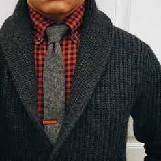"I got shawl 'n check."" - Busta Rhymes Tie bar: Tie: Shirt: Sweater: I like that! Sharp Dressed Man, Well Dressed Men, Mode Masculine, Sweater Fashion, Men Sweater, Mens Sweater Outfits, Gray Sweater, Black Cardigan, Look Fashion"