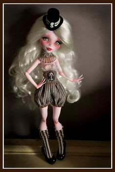 Monster High - so freaking cute Monster High Doll Clothes, Custom Monster High Dolls, Monster Dolls, Monster High Repaint, Custom Dolls, Ooak Dolls, Blythe Dolls, Steampunk Dolls, Ever After Dolls