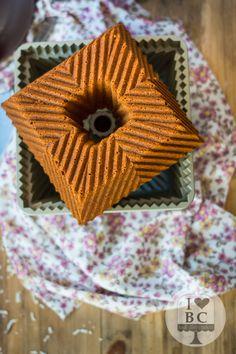 Bundt Cake integral de avena, zanahoria y coco | ILoveBundtCakes Everything Bundt Cakes, Encendido, Nordic Ware, Cookie Recipes, Bakery, Pound Cakes, Tableware, Food, Beautiful