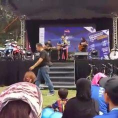 Pretty Ugly performing #b #bongok #bforbongok #b4bongok #LarianSehatiSejiwa #merdekashow #merdekacelebration #mynic #mybuddies #xtrafitrunner #malaysia #prettyugly