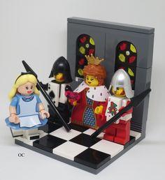 Lego Alice in Wonderland & Queen of Hearts Minifigures Vignette 8x8 …