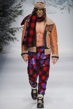 Moschino by Jeremy Scott Fall 2015 Menswear - this bomber coat is an absolutely amazing, would make an amazing addition to any closet.