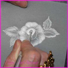 Tutoriel Création d'une carte en papier parchemin Pergamano () - Femme2decoTV Parchment Craft, Creations, Passion, Floral, Crafts, Pergamino, Manualidades, Paper Cards, Parchment Paper