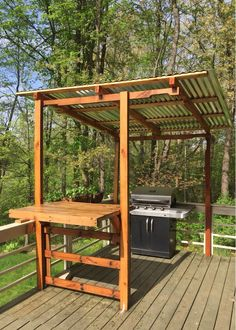 Pergola made of pallet wood – backyard grill Outdoor Grill Area, Outdoor Grill Station, Grill Gazebo, Diy Bbq Area, Backyard Bar, Backyard Kitchen, Backyard Landscaping, Outdoor Kitchen Bars, Outdoor Kitchen Design