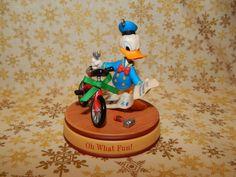 Hallmark Ornament 2008 Oh What Fun Disney Donald Duck 585B New | eBay