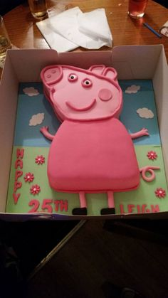 Leigh's fab 25th birthday cake!