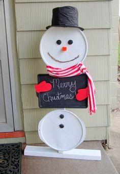 easy DIY snowman using recycled pizza pans and cookie sheet