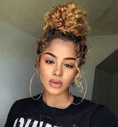 ideas hairstyles women curly natural curls for 2019 - Bun Hairstyles Curly Hair Styles, Haircuts For Curly Hair, Curly Hair Men, Trendy Hairstyles, Wedding Hairstyles, Curly Wigs, Curly Hair Ponytail, Natural Curl Hairstyles, Hairstyles Pictures