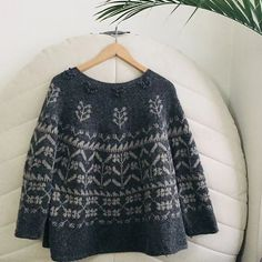 Ravelry 451908143857711336 - Ravelry: Project Gallery for Michel pattern by Junko Okamoto Source by Sweater Knitting Patterns, Knitting Designs, Knit Patterns, Diy Vetement, How To Purl Knit, Fair Isle Knitting, Ravelry, Knitwear, Knit Crochet