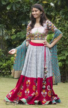 Indian Skirt, Indian Dresses, Indian Outfits, Traditional Skirts, Traditional Outfits, Indian Attire, Indian Wear, Ethnic Fashion, Indian Fashion