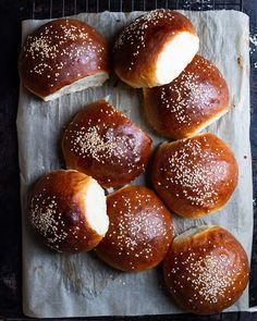 Pretzel Bun Recipe, Dough Ingredients, Hamburger Buns, Savoury Baking, Soft Pretzels, Milk And Honey, Sourdough Bread, Dry Yeast, Tray Bakes