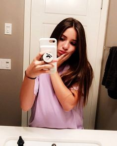have stupid obsession having her hand on her face and do a moody face and take pictures using the mirror 😂😊🖒😍❤ Dance Moms Dancers, Dance Moms Girls, Maddie Y Mackenzie, Mackenzie Ziegler Instagram, Dance Moms Instagram, Mack Z, Maddie Zeigler, Instagram And Snapchat, Dance Company