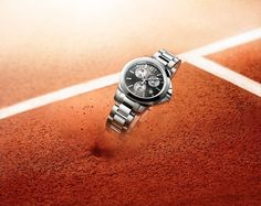 Kwintesencja sportowej elegancji zamknięta w nowym, kobiecym modelu Conquest Roland Garros