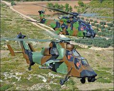 Tiger HAP - Helicóptero de Apoyo y Protección  El Tiger HAP (Helicoptère d'Appui Protection, Helicóptero de Apoyo y Protección) es un helicóptero de tamaño medio para combate aire-aire y fuego de apoyo construido para el Ejército de Tierra francés.  Está equipado en el morro con una torreta ametralladora de 30 mm y cohetes no guiados SNEB de 68 mm para su rol como helicóptero de apoyo, así como misiles aire-aire Mistral.  Está versión apenas está blindada, sólo tiene un poco de blindaje para…