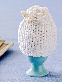 knitted rose cap for easter egg decorating