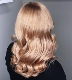 This peach blonde is giving us ultimate spring vibes, don't you think! 🍑🌸 We are in love with this beautiful hair done by Peach Hair, Hair Color, Long Hair Styles, Spring, Beauty, Beautiful, Haircolor, Long Hairstyle, Peach Hair Colors