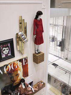 Vogue Cafe Printemps Haussman Paris Kate Moss Twiggy covers mannequin displays