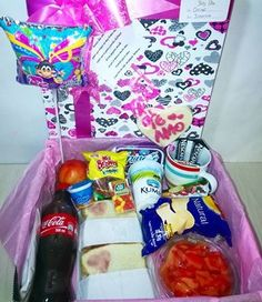 DESAYUNO SORPRESA HAPPY #happydealer#desayunossorpresa#desayunosbogota #regalosbogota #regalospersonalizados#regalossorpresa#regalocumpleaños#aniversario#regaloaniversario Whatsapp 3115893953 o da click http://happydealerco.wix.com/arreglosfrutales — en Galerías.
