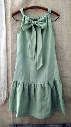 Linen Bow Ruffle Dress in Cypress Green. Nice version of a pillowcase dress. Diy Clothing, Sewing Clothes, Children Clothing, Sewing Shirts, Clothes Crafts, Barbie Clothes, Clothing Patterns, Ruffle Dress, Baby Dress